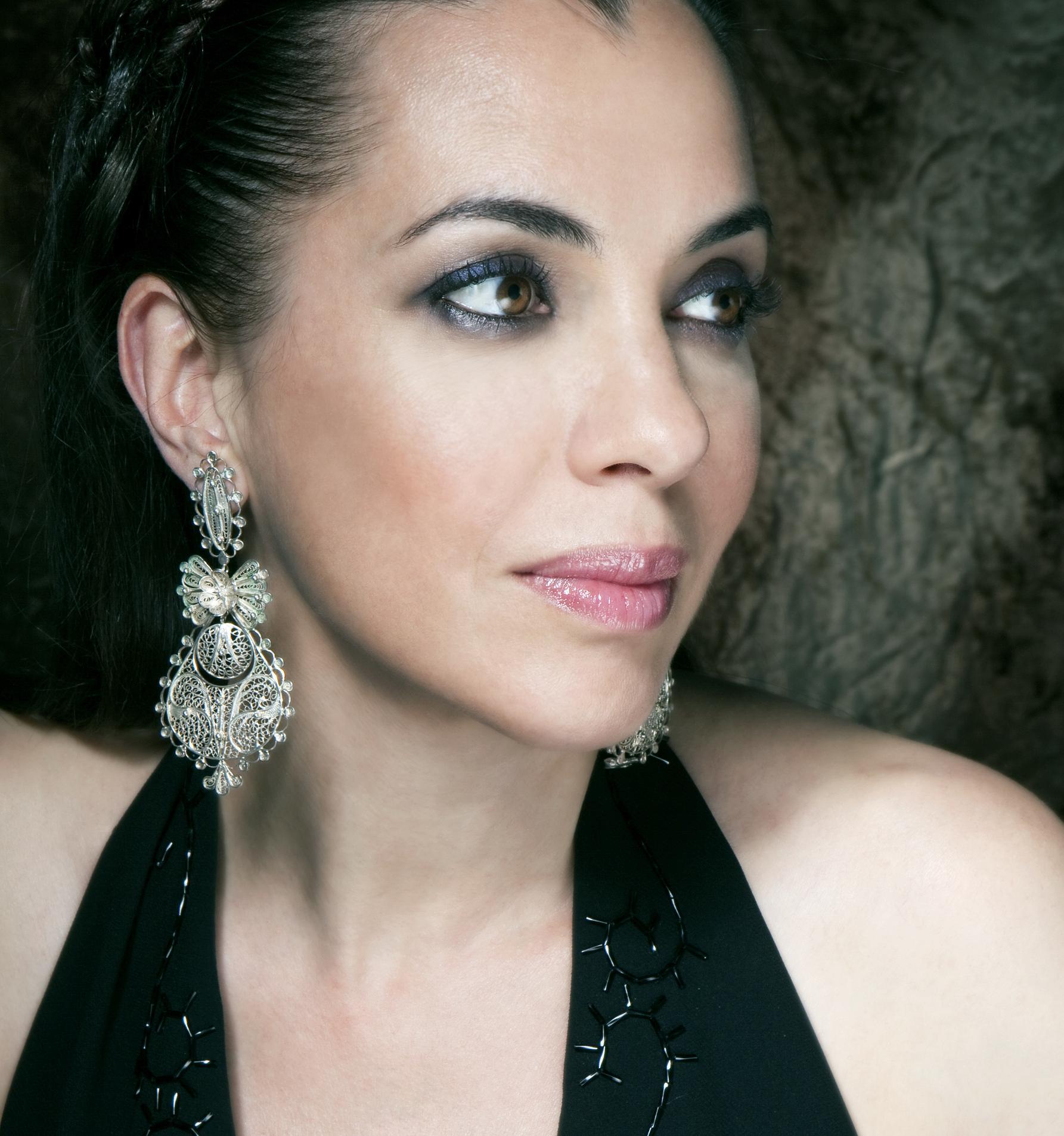 Transcendent vocals, Teresa Salgueiro of Madredeus.